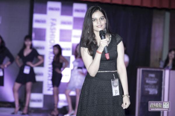 Cute models Delhi fashion runway